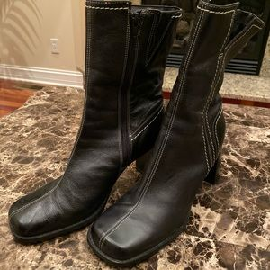 Women's leather boots Very nice